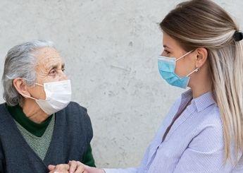 La Junta de Castilla-La Mancha facilita la atención a las personas mayores y dependientes en su entorno