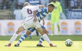 El Albacete gana con un penalti de VAR y aumenta las dudas en el Dépor (0-1)