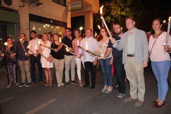 Albacete vive su Fiesta de San Juan con el desfile de antorchas como punto culminante