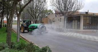 Los agricultores colaboran en las pedanías en la desinfección que están haciendo las empresas de limpieza del Ayuntamiento de Albacete