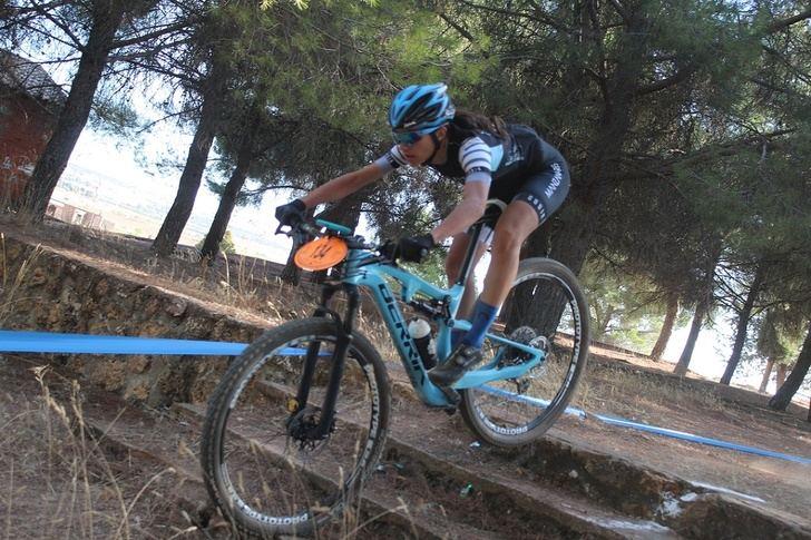 Ossa de Montiel espera a los ciclistas que participan en su ya clásica carrera de BTT, del Circuito de la Diputación de Albacete
