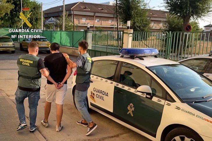Detenido en Seseña (Toledo) tras robar en una casa un varón con 10 requisitorias judiciales, dos de ingreso en prisión