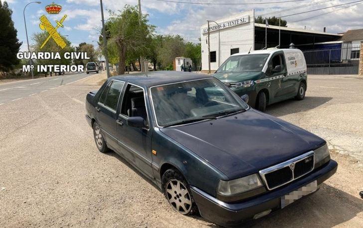 Detenidos tras darse a la fuga en un control policial en Tebleque (Toledo) y abandonar el vehículo robado que conducían