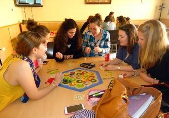 Unas jornadas de la UCLM abordan el uso del juego como herramienta para la intervención logopédica