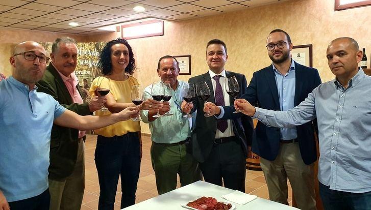 La Diputación de Albacete reafirma su compromiso con el sector vitivinícola a través de convenios con las D.O.