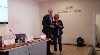 La Diputación de Albacete reitera su apoyo a ALUEX durante la presentación del DVD 'Tradición y Cultura'