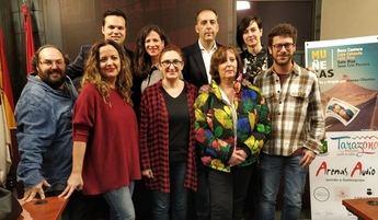 'Tarazona de la Mancha, pueblo de artistas', por todo el mundo con las 'Muñecas' de Teatro Thales