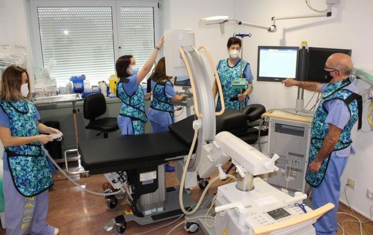 El Hospital de Albacete realiza el primer implante de un nuevo dispositivo para el tratamiento del dolor