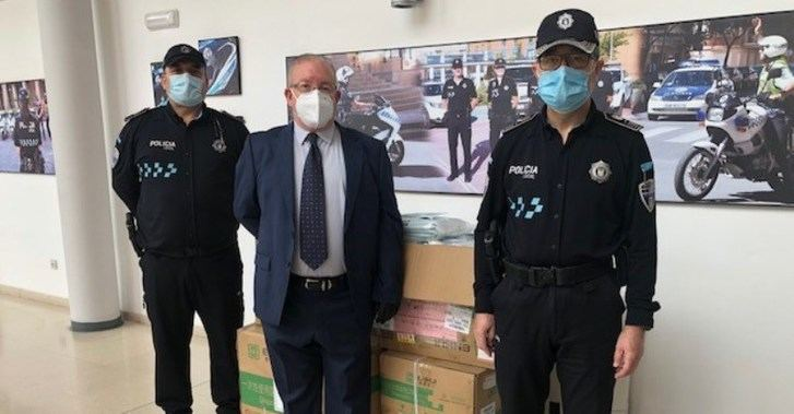 El Ayuntamiento de Albacete recibe una donación de 20.000 mascarillas de Nanchang, ciudad de China