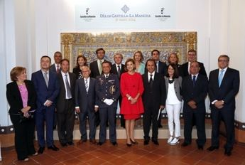 Cospedal preside el Día de la Región agradeciendo a los asistentes su presencia en los actos institucionales