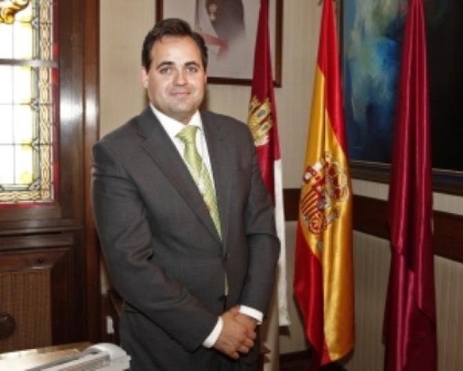 Francisco Núñez  afirma que el PSOE 'no puede dar lecciones a nadie' en materia de sanidad y dependencia