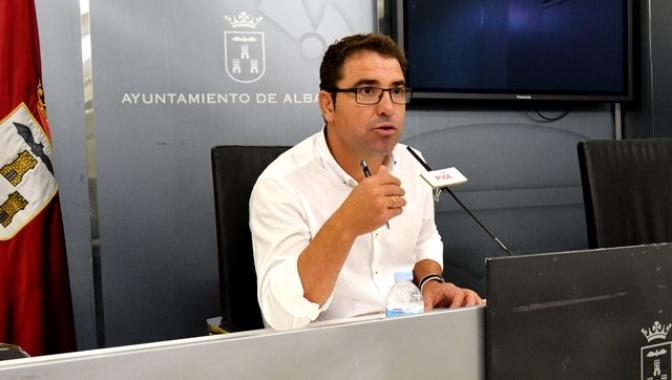 Moción del PSOE de Albacete para que el Ayuntamiento consigne cinco millones en los presupuestos para combatir el desempleo