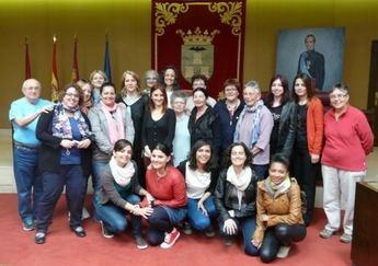 Recibimiento municipal a las participantes del programa europeo juvenil 'Working on Women'