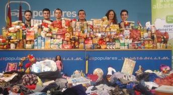 7.000 kilos de alimentos, ropa y juguetes solidarios han recogido los jóvenes del PP de Albacete