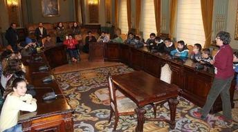 Visita de los alumnos del Tomás Navarro Tomás de Albacete a la Diputación