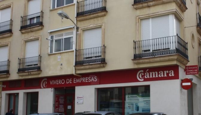 El Ayuntamiento de La Roda compra el Vivero de Empresas a la Cámara de Comercio