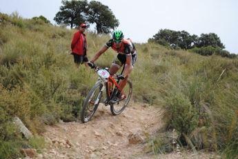 Nieves Giménez y Yago Sardina se impusieron en la carrera de BTT de Villarrobledo
