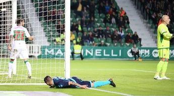 Un gol polémico permite al Albacete ganar en Elche con diez jugadores (0-1)
