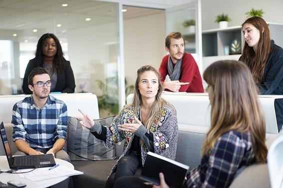 Cómo elegir una sala de reunión u oficina de alquiler