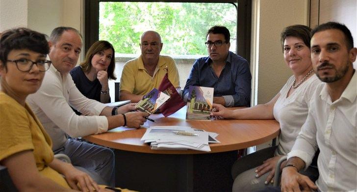 Ayuntamiento de Albacete y APRECU planifican el 'III Encuentro Mundial de Capitales de la Cuchillería 2020'
