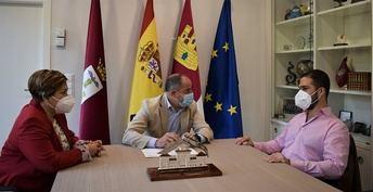 Emilio Sáez reitera el compromiso del Ayuntamiento de Albacete con la ONCE a través de diferentes líneas de colaboración