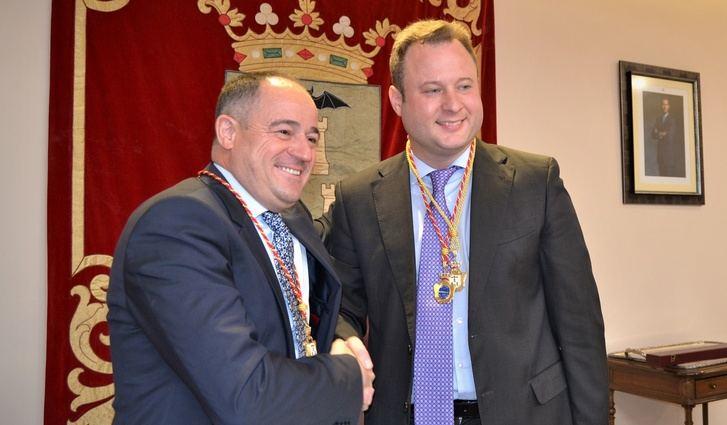 Vicente Casañ y Emilio Sáez acuerdan las concejalías del Ayuntamiento de Albacete