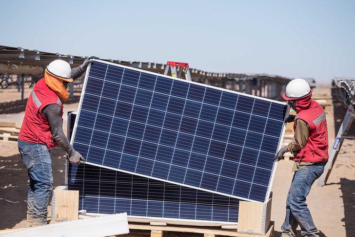Eiffage Energía construirá dos parques de energía solar para OPDEnergy en México y España