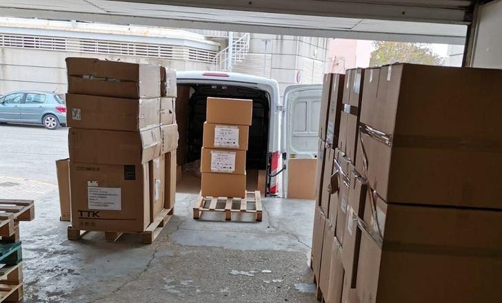 Los hospitales y centros de salud de la provincia de Albacete reciben 67.400 artículos de protección y 1.900 test