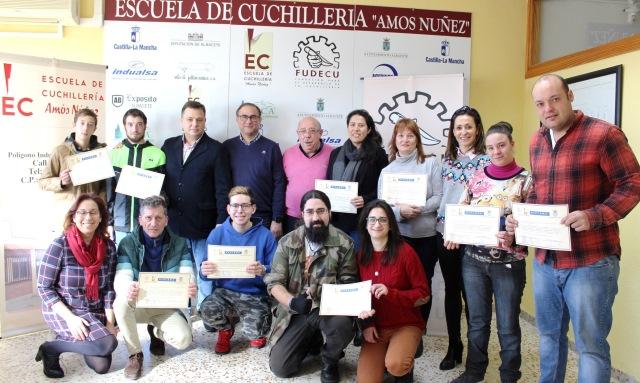 La cuchillería de Albacete sigue formando a jóvenes para garantizar el futuro del sector