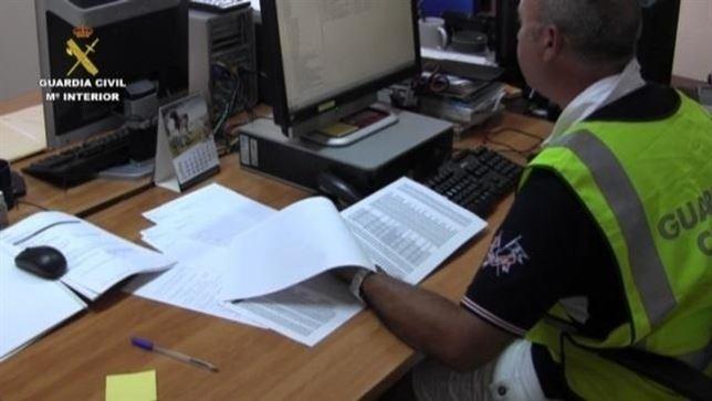 Dos detenidos, vecinos de Guadalajara por estafar a 1.445 personas en toda España