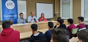 La Junta de Castilla-La Mancha traslada a estudiantes de Villarrobledo los derechos y libertades que ofrece la pertenencia a la Unión Europea