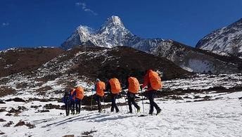 La expedición Álex Txikon-AMIAB ha llegado al Campo Base del Ama Dablam