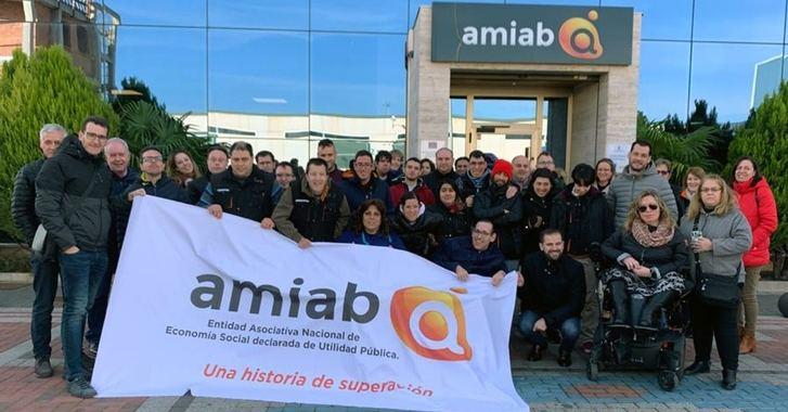 Comienza la aventura al Everest con la marcha de la expedición Álex Txikon-AMIAB rumbo a Katmandú