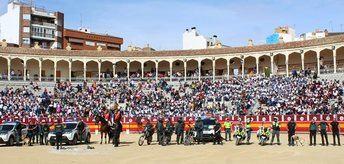 5.000 escolares de Albacete asisten a una exhibición de la Guardia Civil en la plaza de toros