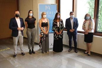 Una veintena de mujeres artistas de C-LM exponen en la VII edición de 'Amalia Avia' en Albacete