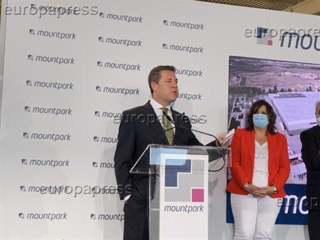 La Junta de Castilla-La Mancha garantiza un kit de mascarillas reutilizables para docentes y alumnos