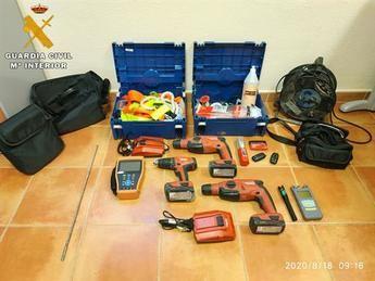 Detenidas dos jóvenes por delitos de robo en el interior de vehículos en Torrijos y Bargas (Toledo)