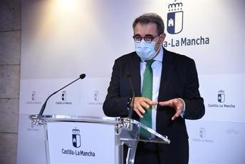 Castilla-La Mancha afirma que el confinamiento 'está encima de la mesa' pero quiere esperar resultados de medidas en marcha