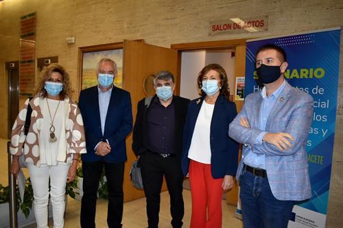 150 profesionales participan en Albacete en los seminarios 'Herramientas para la intervención social'