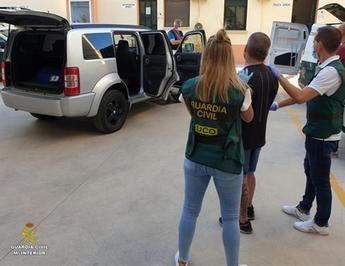 La Guardia Civil desarticula un grupo especializado en secuestros y localiza la nave donde retenía a sus víctimas
