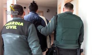Dos detenidos por traficar con psicotrópicos y tener a sus tres hijos menores sin escolarizar, en Burujón (Toledo)
