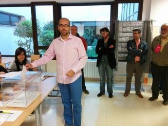 El delegado local de UPyD Albacete ejerció su derecho al voto muy pronto