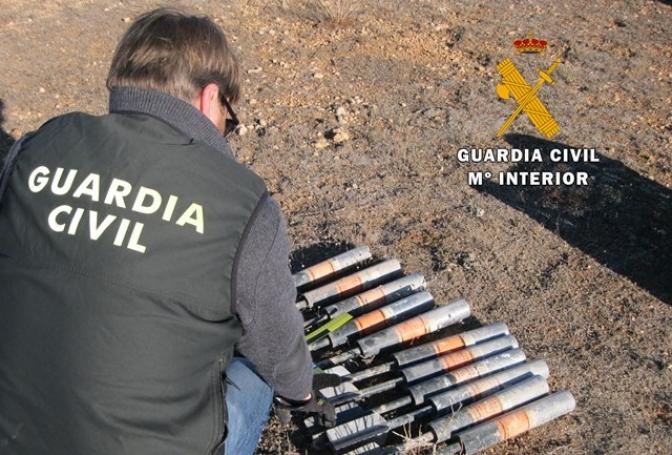 La Guardia Civil desactiva once cohetes granífugos hallados en el término municipal de Pozohondo