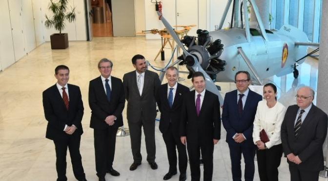 Page anuncia en Albacete que la Junta invertirá 5,6 millones en desarrollo e investigación aeronáutica
