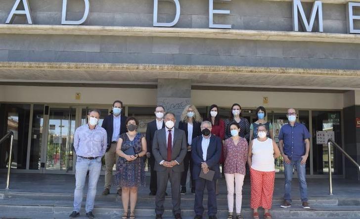 La Facultad Medicina de Albacete reconoce al equipo decanal saliente con un acto-homenaje