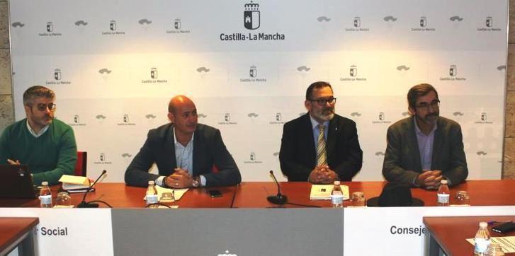 Las más de 34.000 familias numerosas de Castilla-La Mancha llevarán su carné en el móvil