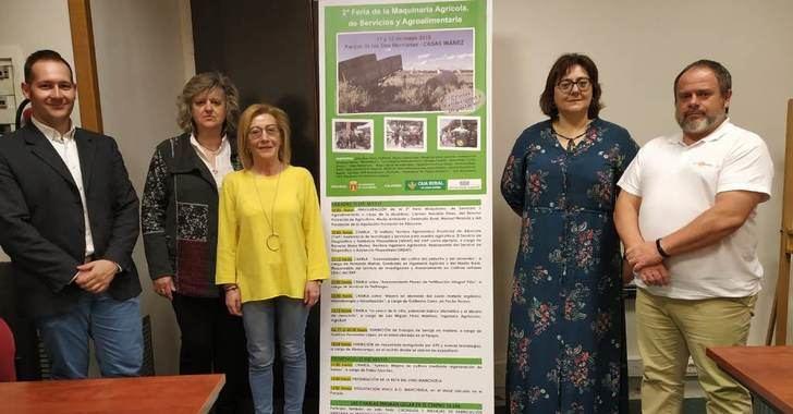 La II 'Feria de Maquinaria Agrícola, de servicios y agroalimentaria' se celebra en Casas Ibáñez (Albacete)