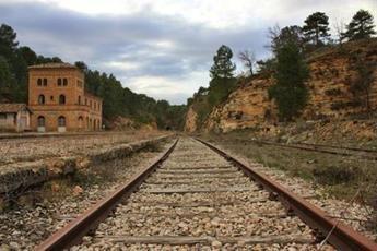 La Plataforma por Ferrocarril Público de C-LM pide ampliar las conexiones de tren de Toledo, Albacete y Cuenca