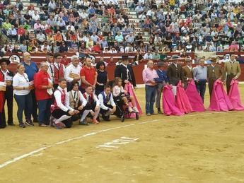 Festival taurino benéfico en Hellín en favor de la niña Julia, éxito artístico y de solidaridad