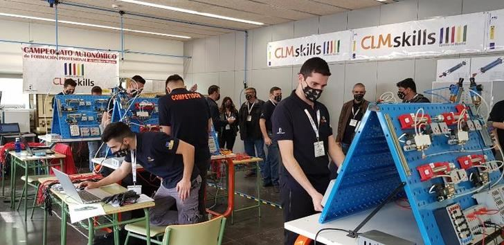 Los alumnos de FP de Castilla-La Mancha tendrán simuladores virtuales para que puedan recrear situaciones de entornos laborales